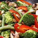 Detox Day 2: Broccoli & Red Pepper Stir-Fry with Cashew Nuts